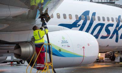 Tankování biopaliva do letadla Aljašských aerolinek